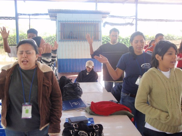 Alabando COM Nicaragua