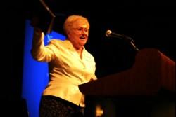 Dr. Nina Gunter, Superintendente General Emerita en la Iglesia del Nazareno