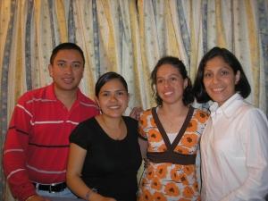Los 4 Misioneros Voluntarios de la Región MAC que servían en Proyecto Caleb