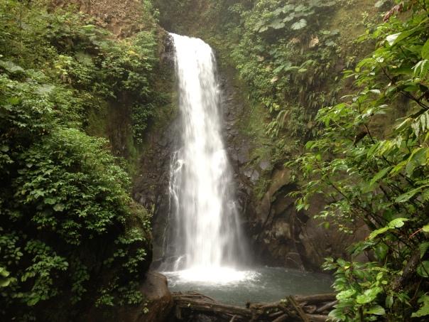 Las Cataratas de La Paz - Participantes disfrutarán el Día de Inmersión Cultural acá durante Tercera Ola 2015