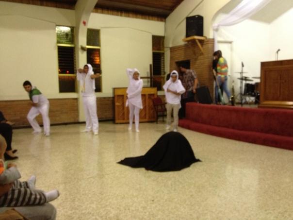 Drama elaborado por los jóvenes de la Iglesia Ciudad de Refugio en San José, Costa Rica