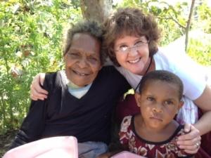 Cindy Schmelzenbach en ministerio en Melanesia