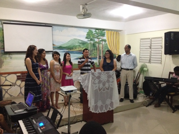 Predicaron y cantaron en varias iglesias en el Gran Santo Domingo.