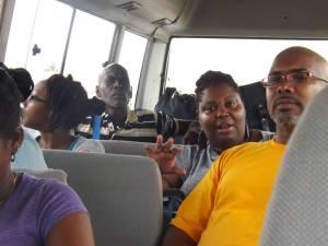 Algunos miembros del equipo mientras viajaban.
