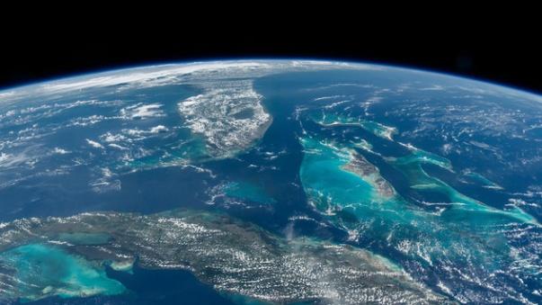 el_astronauta_jeff_williams_retrata_la_tierra_desde_el_espacio_5943_630x